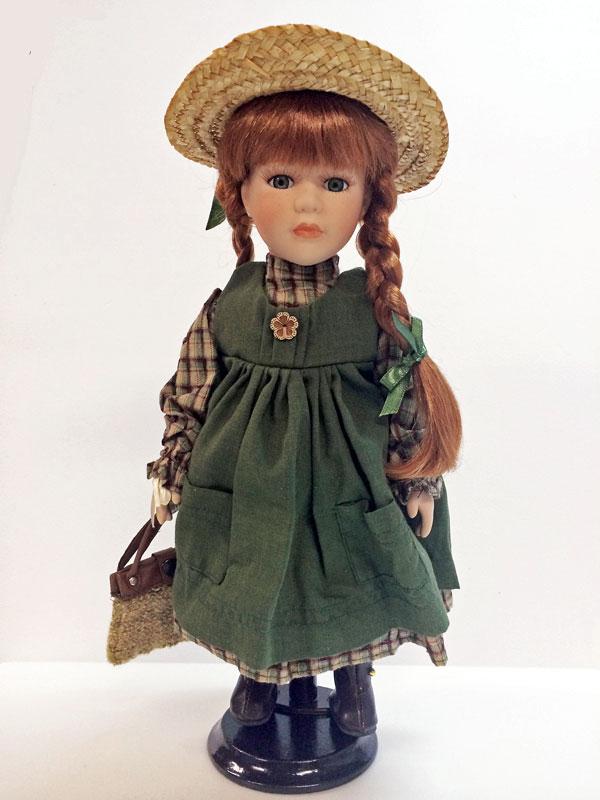 赤毛のアン 12インチの磁器人形(スタンド付)